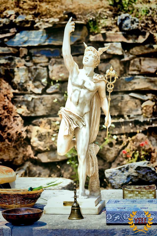 Hermes (Foto, Götterkult). Ερμής ΥΣΕΕ